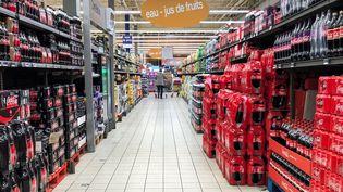 Des boissons fraîches dans un supermarché de Lens (Pas-de-Calais), le 1er février 2019. (DENIS CHARLET / AFP)