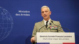 Lechef d'état-major des armées, le général Lecointre, lors d'une conférence de presse, le 10 mai 2019. (JACQUES DEMARTHON / AFP)