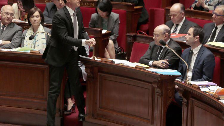 Manuel Valls, le 16 avril 2014, à l'Assemblée nationale lors des questions au gouvernement. (JACQUES DEMARTHON / AFP)