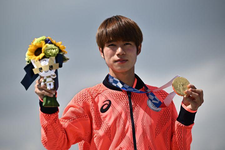 Yuto Horigome a remporté la première médaille d'or dans l'histoire du skateboard aux Jeux olympiques, le dimanche 25 juillet (JEFF PACHOUD / AFP)