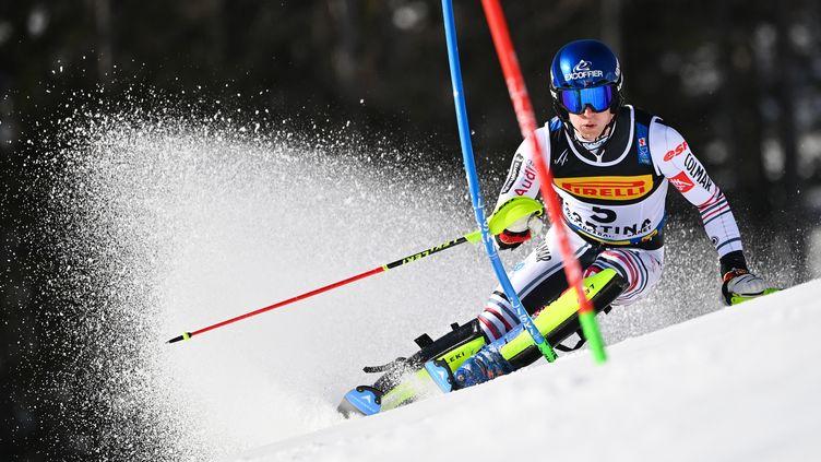Clement Noel lors de sa première manche en slalom, le 21 février 2021. (FABRICE COFFRINI / AFP)