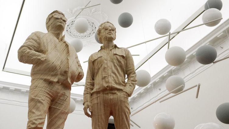 La statue des Daft Punk par Xavier Veilhan à la Galerie Perrotin à New York.  (JEWEL SAMAD / AFP)