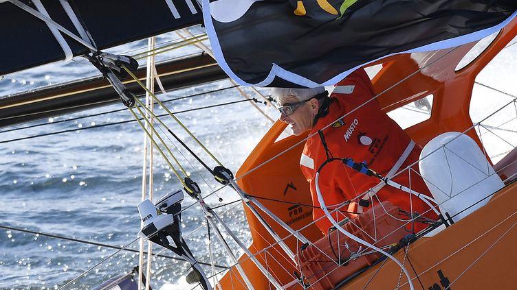 Le navigateur français Vincent Riou, après le départ du Vendée Globe, dimanche 6 novembre 2016. (DAMIEN MEYER / AFP)