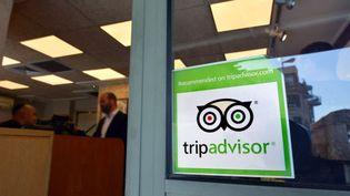 Le logo du site TripAdvisor sur la fenêtre d'un restaurant à Jérusalem (Israël), le 14 mars 2015. (RAFAEL BEN-ARI/CHAM/NEWSCOM/SIPA / SIPA USA)