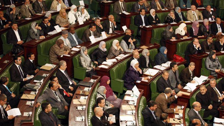 Des membres de l'Assemblée constituante tunisienne, qui deviendra l'Assemblée des «représentants du peuple». (REUTERS/Zoubeir Souissi)