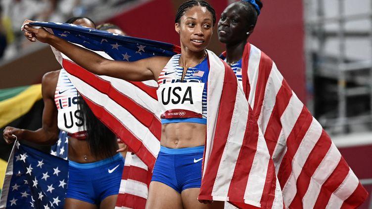 Allyson Felix a remporté une 11e médaille olympique avec le relais 4x400 m américain, le 7 août 2021 à Tokyo. (JEWEL SAMAD / AFP)
