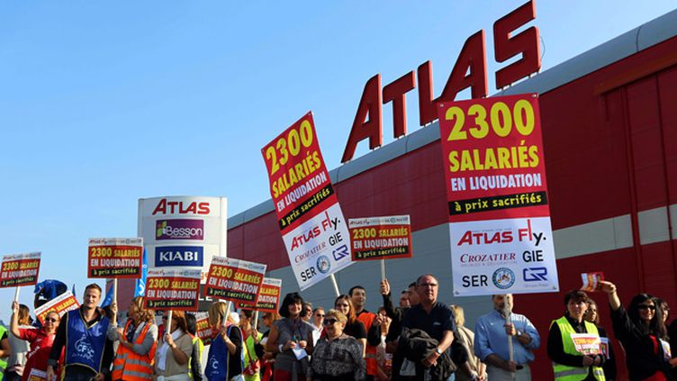 (Plus d''une centaine de salariés du groupe Rapp Mobilier européen (Fly, Atlas et Crozatier), visé par un redressement judiciaire depuis septembre. manifestent le 17 septembre 2014 © Maxppp)