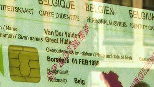 Nouvelle carte d'identité : l'exemple de la Belgique (France 3)