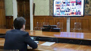 Le Premier ministre italien Giuseppe Conte participe à une réunion par viséoconférence du G20, le 26 mars 2020. Photo d'illustration. (FILIPPO ATTILI / CHIGI PALACE PRESS OFFICE HANDOUT / MAXPPP)