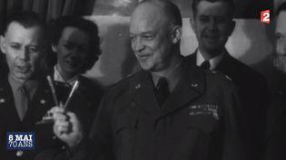 Le général américain Dwight Eisenhower après la signature de la capitulation allemande, le 8 mai 1945 à Reims (Marne). ( FRANCE 2)
