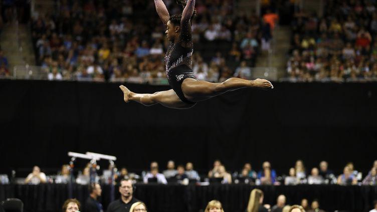 Simone Biles lors des championnats américains de gymnastique à Kansas City (centre du pays), le 11 août 2019. (JAMIE SQUIRE / GETTY IMAGES NORTH AMERICA / AFP)