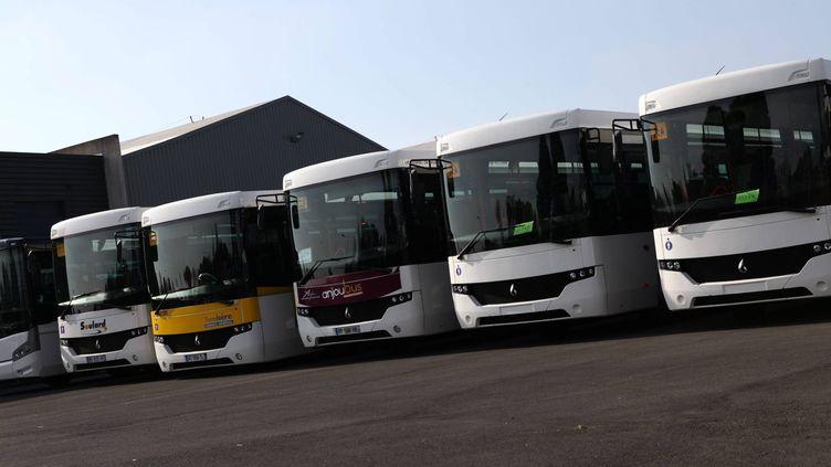 L'entreprise Carrier, située à Alençon (Orne),dernier fabricant de cars français, a vu le tribunal de commerce prononcer sa liquidation, le 28 janvier 2014. (MAXPPP)
