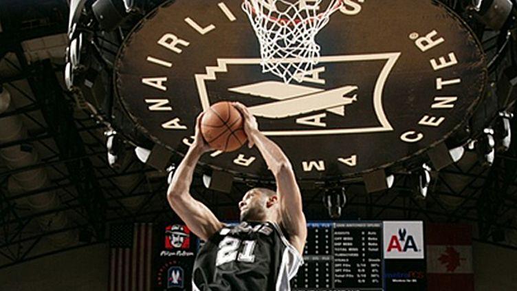 Tim Duncan (San Antonio Spurs) (GLENN JAMES / NBAE / GETTY IMAGES)