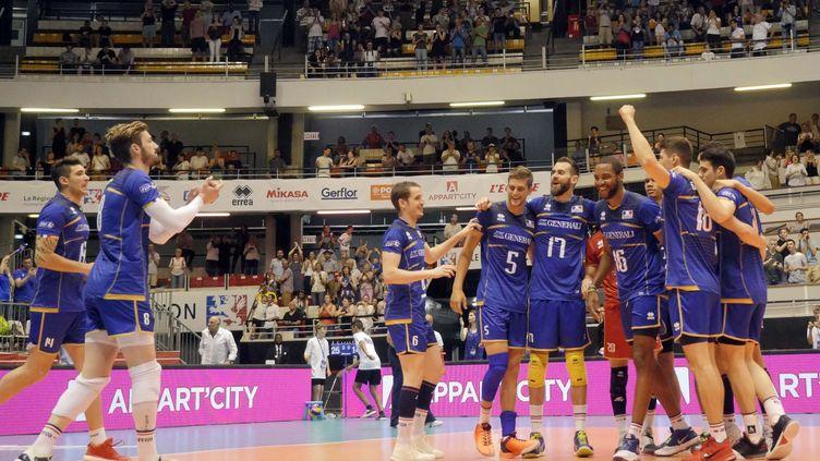 Joie et satisfaction pour l'équipe de France de volley (PIERRE AUGROS / MAXPPP)
