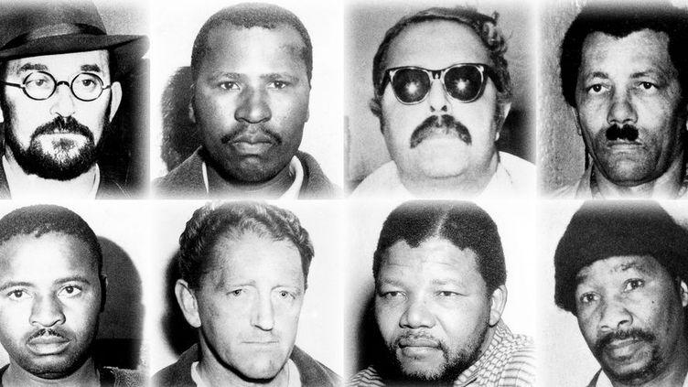 Portraits des huit militants anti-apartheid jugés et condamnés à la prison à vie à l'issue du procès de Rivonia en 1964. De gauche à droite, en haut,Denis Goldberg,Andrew Mlangeni,Ahmed Kathrada,Walter Sisulu; toujours de gauche à droite, en bas,Raymond Mhlaba,Elias Motsoaledi, Nelson Mandela etGovan Mbeki. (Photo du film «L'Etat contre Mandela et les autres» - UFO Distribution)