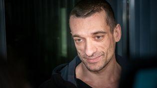 L'activiste russe Piotr Pavlenski, mardi 18 février 2020 à Paris. (CARINE SCHMITT / HANS LUCAS / AFP)