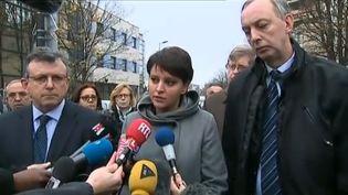 La ministre de l'Education, Najat Vallaud-Belkacem, à Aubervilliers (Seine-Saint-Denis) après l'agression d'un enseignant, le 14 décembre 2015. (FRANCE 2)