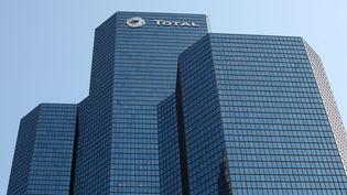 La tour Total, dans le quartier de La Défense, près de Paris. (©FRANCOIS LAFITE/WOSTOK PRESS / MAXPPP)