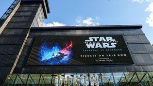 """Les places pour """"Star Wars IX: L'ascension de Skywalker"""" sont déjà à vendre à Londres (Royaume-Uni). (MATTHEW CHATTLE/REX/SIPA / SHUTTERSTOCK / SIPA)"""