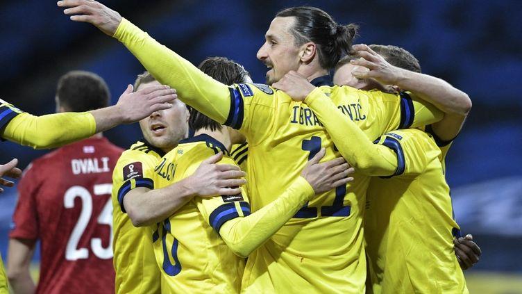 Zlatan Ibrahimovic et ses coéquipiers, lors du match Suède - Géorgie le 25 mars 2021. (JANERIK HENRIKSSON / TT NEWS AGENCY)
