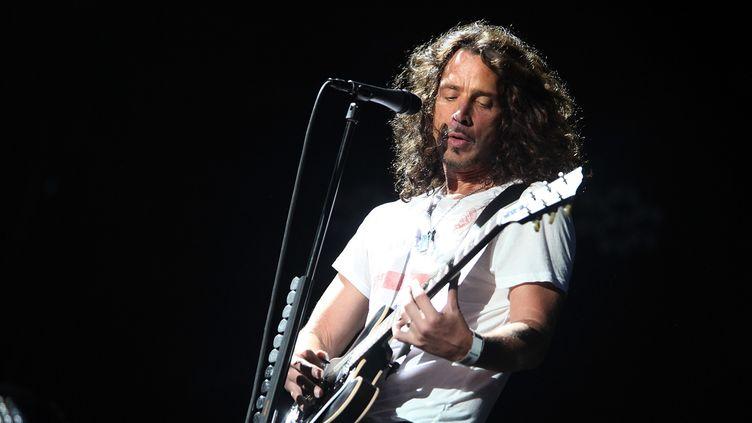 Chris Cornell de Soçundgarden sur scène à Chicago en 2010.  (Roger Kisby / Getty Images / AFP)