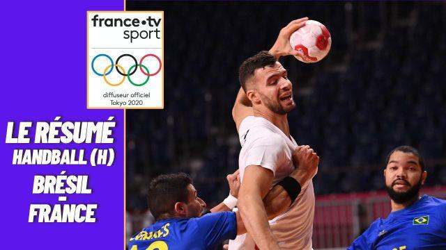 Les handballeurs français s'imposent facilement à l'occasion de leur deuxième match de poule. Prochaine rencontre mercredi contre les Allemands.