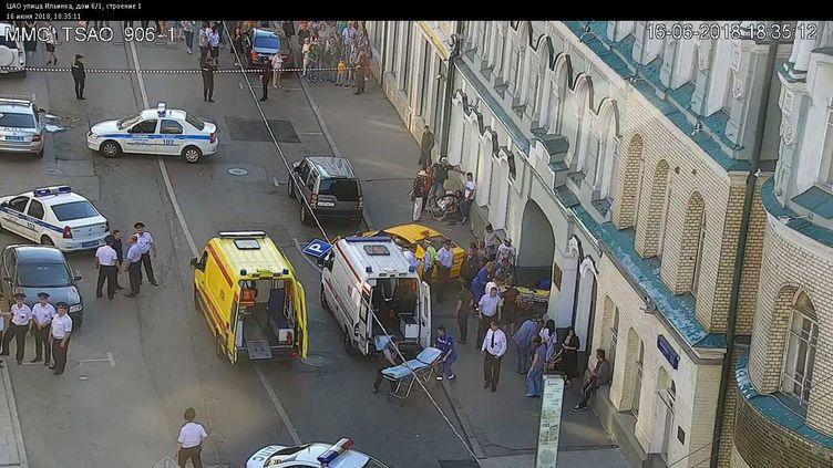 Un taxi a blessé plusieurs personnes à Moscou (Russie), le 16 juin 2018. (CODD / AFP)