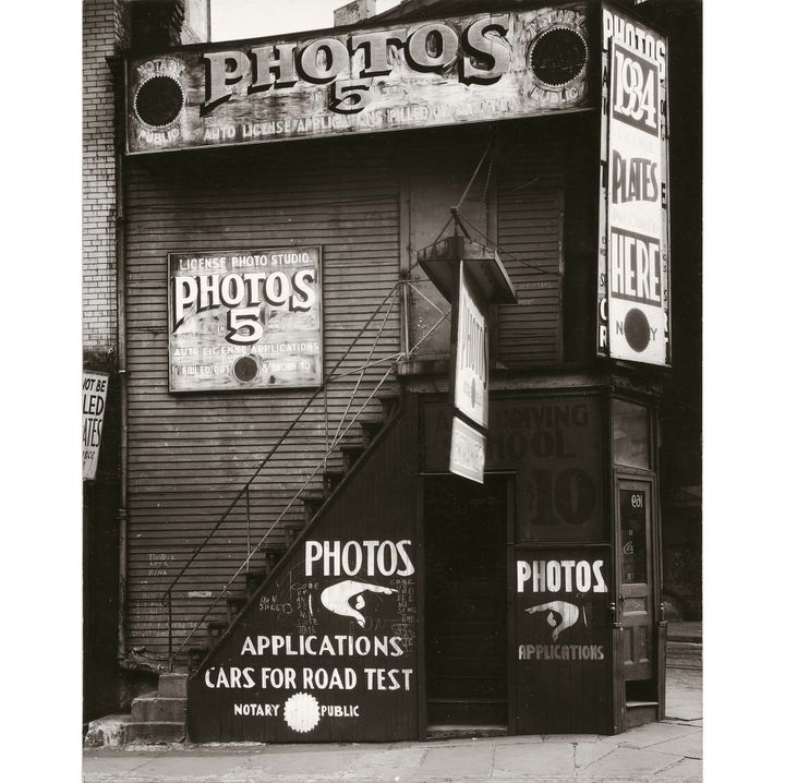 "Walker Evans, ""License Photo Studio, New York"", 1934, The J. Paul Getty Museum, Los Angeles  (Walker Evans Archive, The Metropolitan Museum of Art Photo: © The J. Paul Getty Museum, Los Angeles)"