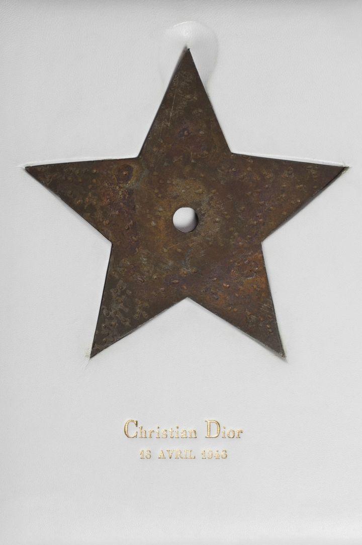 Étoile porte-bonheur de Christian Dior. (Benoit Croisy, coll. ville de Granville)