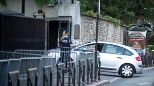 L'entrée des locaux de la Direction générale de la Sécurité intérieure (DGSI) à Levallois-Perret, près de Paris, ici en juin 2015 (illustration) (NICOLAS MESSYASZ/SIPA)