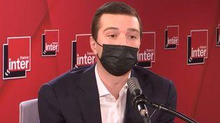 Jordan Bardella, vice-président du Rassemblement National, député européen, est l'invité de France Inter.  (FRANCEINTER / RADIOFRANCE)