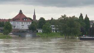En France, le Rhin reste sous surveillance, face aux risques de crues. (CAPTURE D'ÉCRAN FRANCE 2)