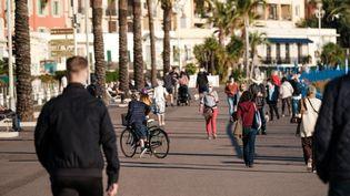 La promenade des Anglais à Nice (Alpes-Maritimes), le 5 novembre 2020. (JEAN-BAPTISTE PREMAT / HANS LUCAS / AFP)