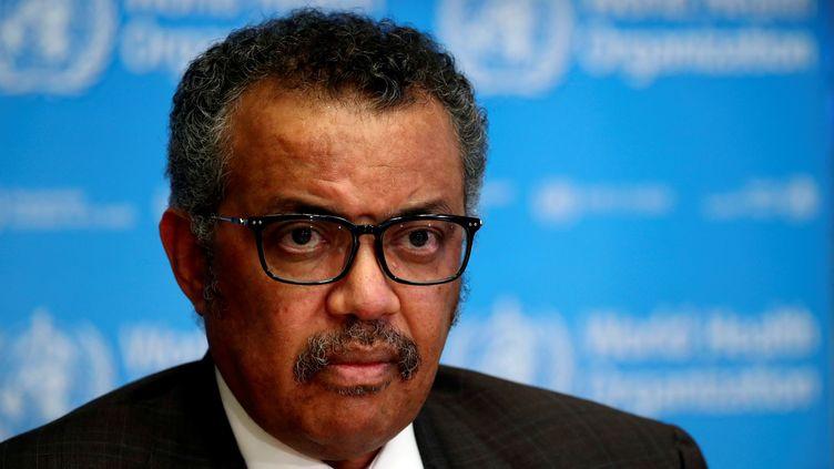 Le directeur général de l'OMS,Tedros Adhanom Ghebreyesus, tient une conférence de presse sur la pandémie de coronavirus, le 28 février 2020, à Genève (Suisse). (DENIS BALIBOUSE / REUTERS)