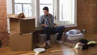 Selon une étude de CLCV, 80% des jeunes âgés de 18 à 27 ans ont rencontré des difficultés pour accéder à un logement. (DREAMPICTURES / LIFESIZE / GETTY IMAGES)