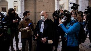 L'avocat de la famille d'Arthur Noyer, Me Bernard Boulloud, au palais de Justice de Chambéry (Savoie), le 3 mai 2021. (JEFF PACHOUD / AFP)