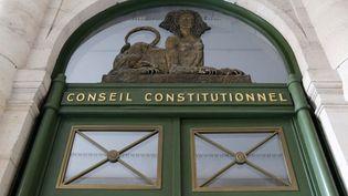 Le Conseil constitutionnel a décidé mardi 21 février 2012 que la règle imposant de rendre publics les 500 parrainages d'élus nécessaires pour concourir à la présidentielle demeurait valable. (THOMAS SAMSON / AFP)