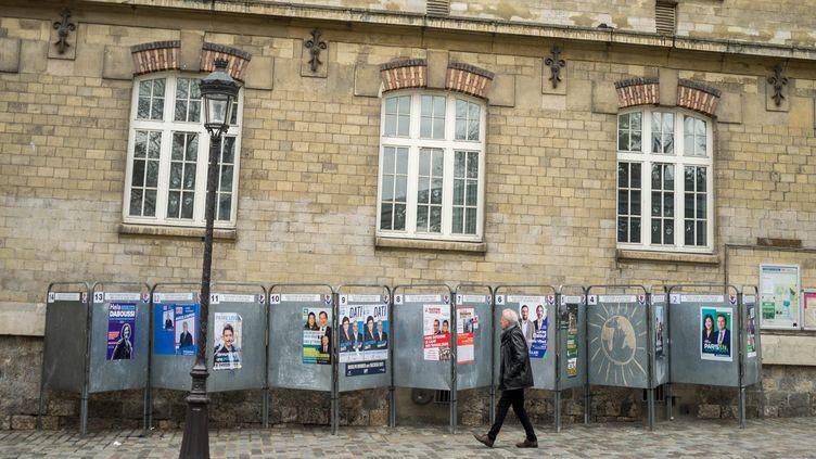 Panneaux électoraux pour les municipales 2020 à Paris (BRUNO LEVESQUE / MAXPPP)