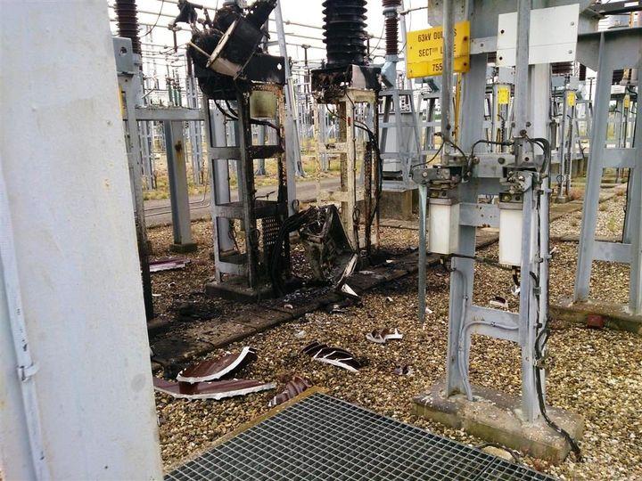 """Un combiné de mesure """"EJ 33"""" RTE détruit à l'été 201, dans la région lyonnaise. ( DR )"""