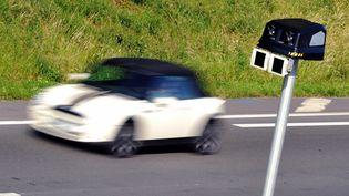 L'assurance des véhicules flashés sera désormais contrôlée. (PHILIPPE HUGUEN / AFP)