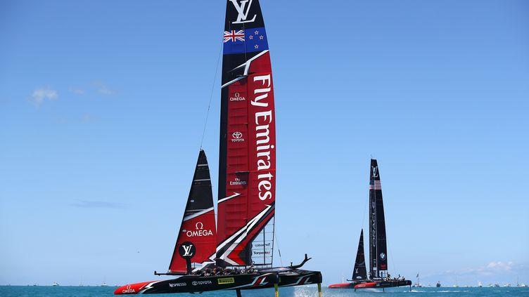 Team New Zealand devant Oracle, une image récurrente  (CLIVE MASON / GETTY IMAGES NORTH AMERICA)