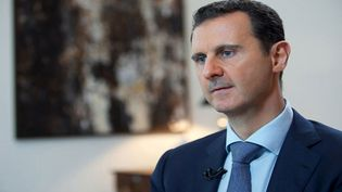 Le président syrien Bachar Al-Assad lors d'une interview avec la chaîne iranienneKhabar TV, le 4 octobre 2015. (SANA SANA / REUTERS)