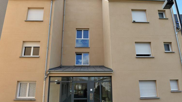 L'immeuble où a vécu Fabien Clain, à Alençon (Orne). (JEAN-FRANCOIS MONIER / AFP)