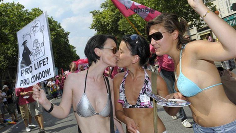 La Gay Pride à Paris, le 26 juin 2010 (AFP/MIGUEL MEDINA)