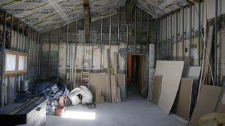 La construction de plus de 350 000 logements neufs a été lancée en 2015. Loin de l'objectif (500 000 mise en chantier par an) du gouvernement.(Photo d'illustration) (GODONG / BSIP / AFP)