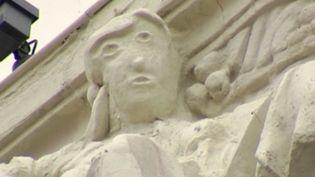 À Palencia, en Espagne, une sculpture restaurée est passée de bergère à Monsieur Patate. Malheureusement, le pays n'en est pas à son premier massacre artistique. (FRANCE 3)