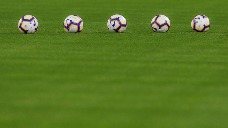 Des ballons d'entraînement... (CARLO HERMANN / AFP)