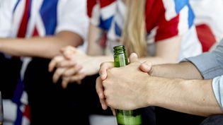 Cent cinq députés LREM ont déposé, fin juillet 2019, une proposition de loi afin d'élargir la vente d'alcool dans les enceintes sportives. (MAXPPP)