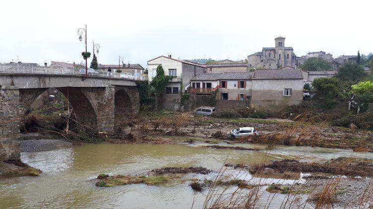 ASaint-Hilaire, dans la vallée du Lauquet, les secoursont mis plus de 24 heures à arriveraprès les inondations,selon certains habitants. (BENJAMIN MATHIEU / FRANCEINFO)