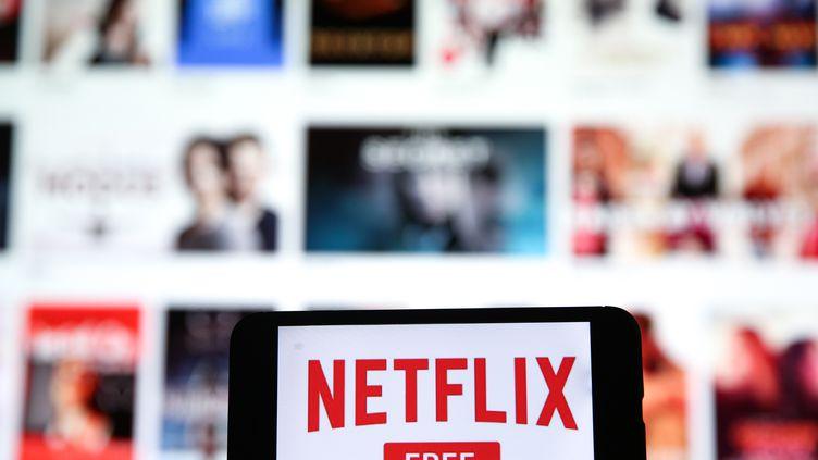 Netflix adécidé de réduire son débit pour éviter la congestion des réseaux. Photo d'illustration. (MUHAMMED ENES YILDIRIM / ANADOLU AGENCY)